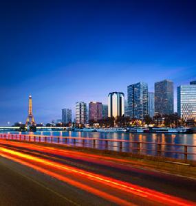 Banlieue de nuit de Paris